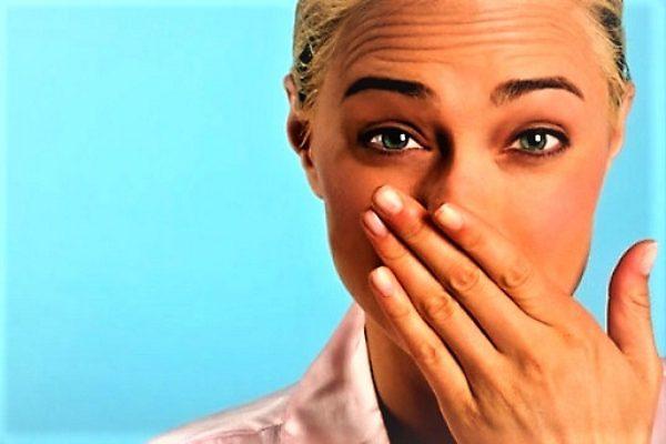 обильные выделения после месячных с неприятным запахом говорят о нарушении микрофлоры и заболеваниях