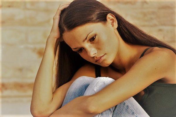 задержка месячных может быть вызвана приёмом гормональных препаратов