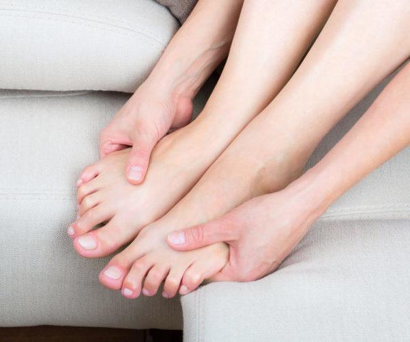 У женщины немеют ноги