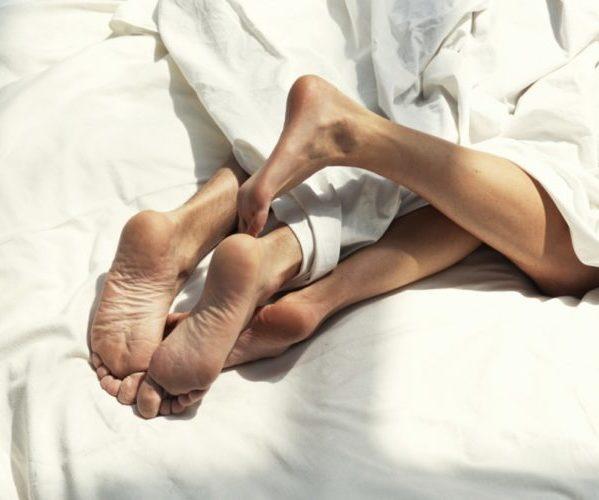 Секс под одеялом