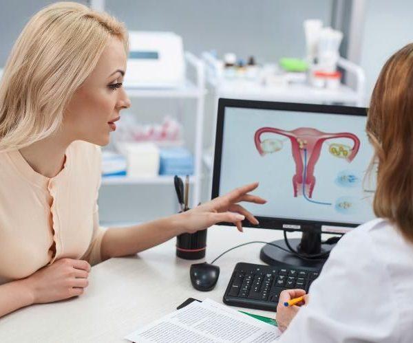 Женщина и гинеколог
