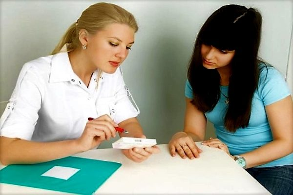 до 15–16 лет менструации могут идти нерегулярно, цикл колеблется от 25 до 30 дней