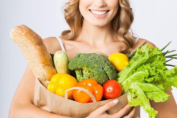 для устранения болей в желудке перед менструацией необходимо сбалансированное питание