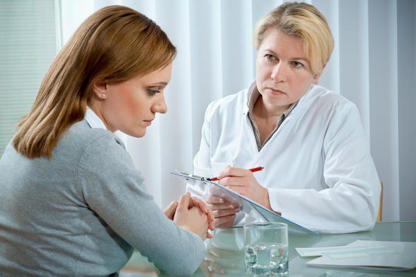 при нарушение эмоционального состояния необходимо записаться на прием к психотерапевту