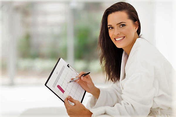 считается нормальной менструация, которая опаздывает не более, чем на 3-4 дня