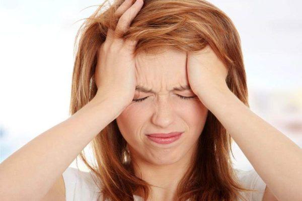 Прием вызывает побочные эффекты в виде тошноты, кожной сыпи, головной боли