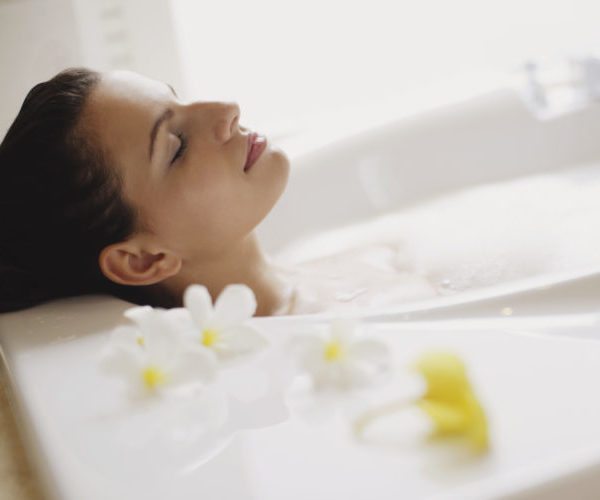 Женщина ароматерапия