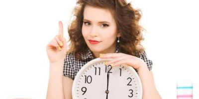 Женщина часы
